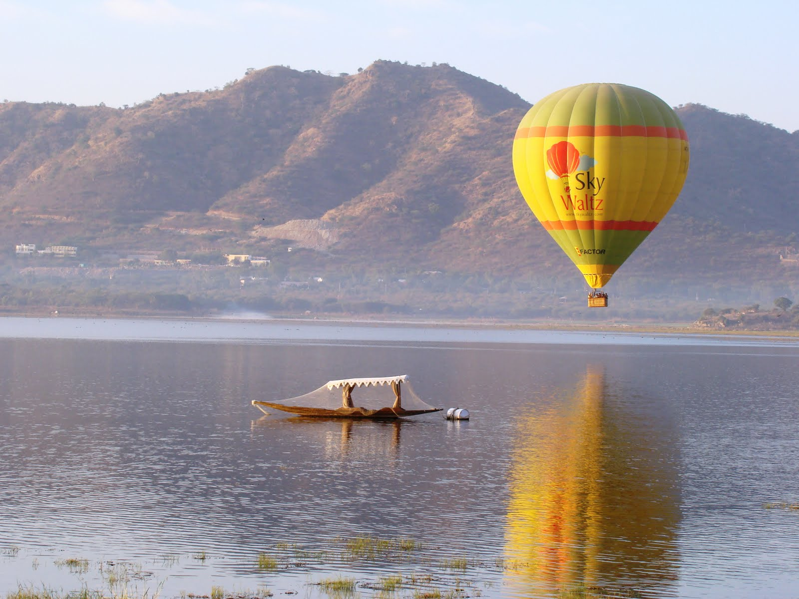 Hot Air Balloon in Pushkar