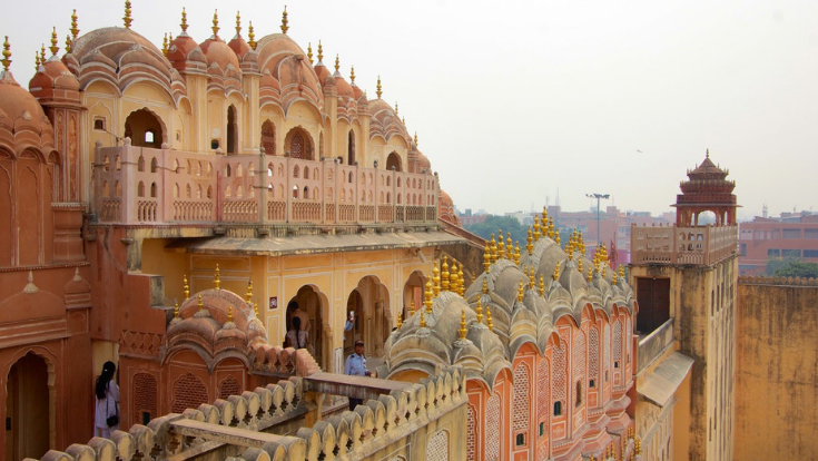 hawa mahal,palace of wind,jaipur attractions,rajasthan tour
