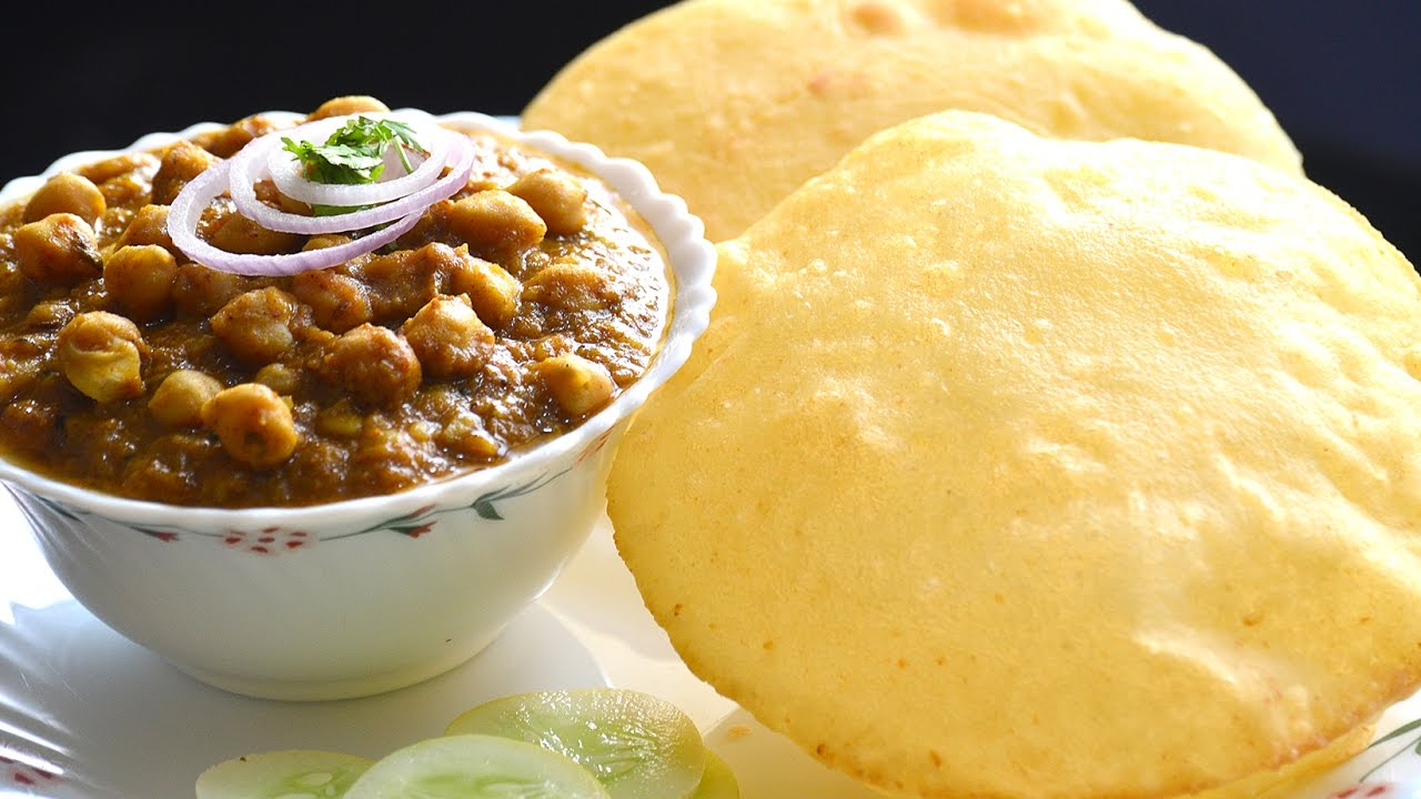 chhole bhature,chhole bhatura,indian cuisine,indian dish,indian breakfast
