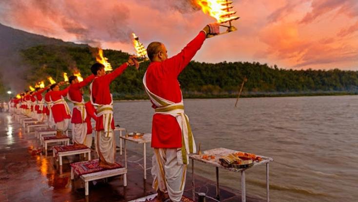 india tour,travel india,tailor made holidays,tourism,triveni ghat