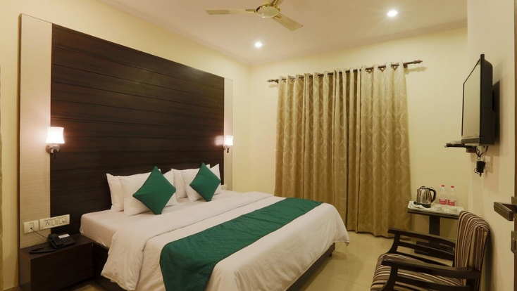 budget hotel near delhi airport,budget accommodation